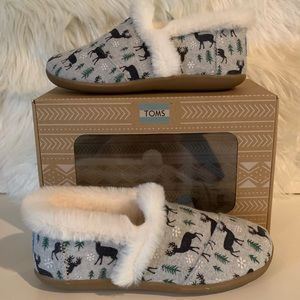 Toms Holiday Faux Wool Kids Slipper NIB